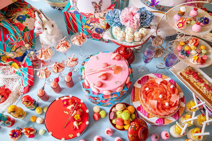 はらぺこニュース|ヒルトン東京でレトロ可愛いデザートブッフェ『ジャポニズム~花よりマカロン』が6月からスタート!