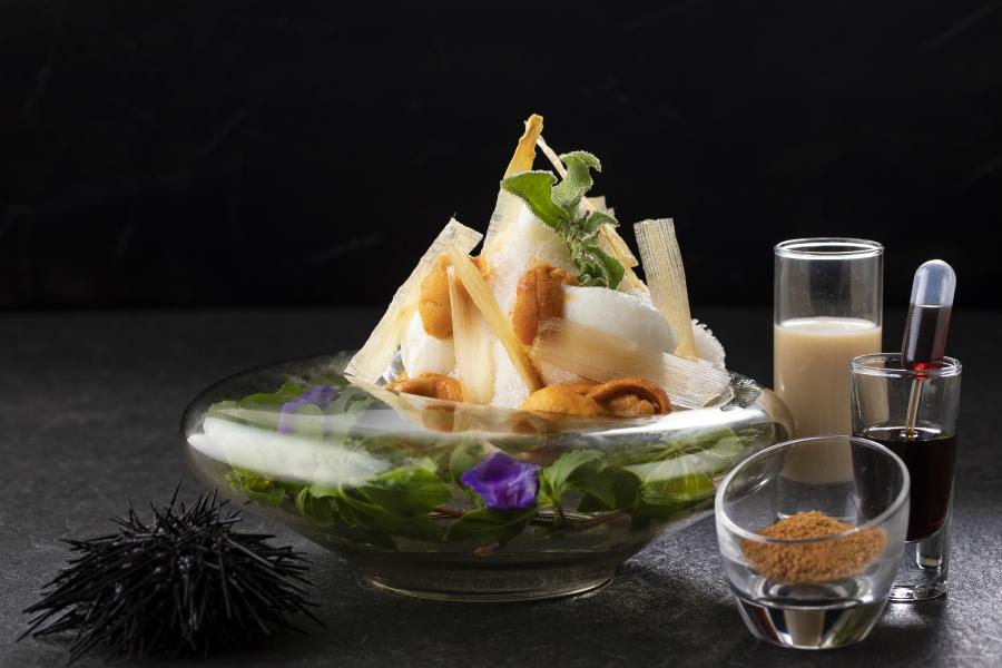 はらぺこニュース|衝撃!ストリングスホテル東京に「ウニのかき氷」が登場!ウニのクリームにホワイトアスパラのアイス!