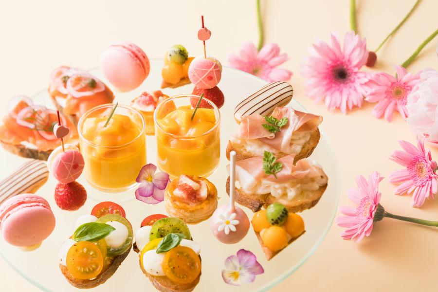 はらぺこニュース|白桃&黄桃使用の3品コース付「アフタヌーンティー ピーチセレクション」ホテルメトロポリタンで開催中!