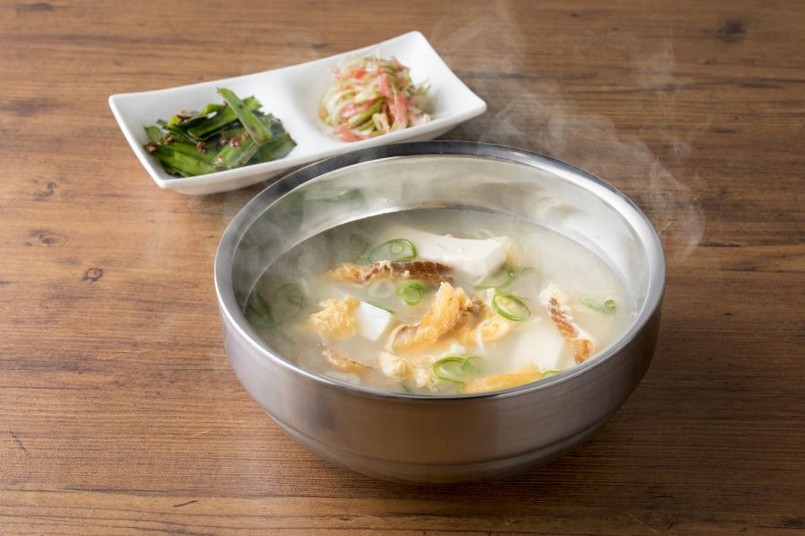 はらぺこニュース|うに+肉のユッケに厚切り極み牛タン!「焼肉 USHIDOKI TOKYO」青山にオープン!