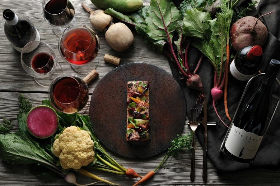 星野リゾートリゾナーレ八ヶ岳で赤ワインと根菜のペアリング「Vino e Verdura (ヴィノ・エ・ヴェルドゥーラ)冬」