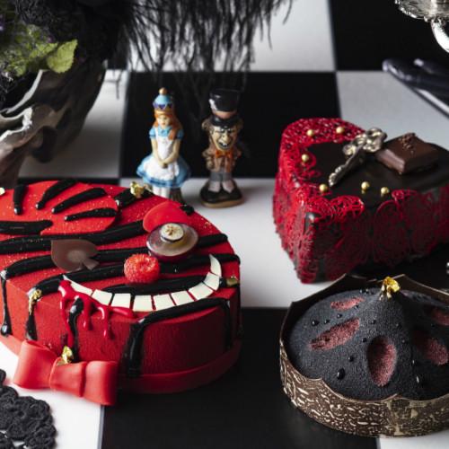 ヒルトン東京で小悪魔アリス風「ハロウィーン・テイクアウトスイーツ」チェシャ猫モチーフのスイーツも!