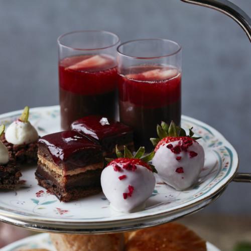 苺とカカオの香りを堪能!ホテル椿山荘「ショコラルージュアフタヌーンティー」