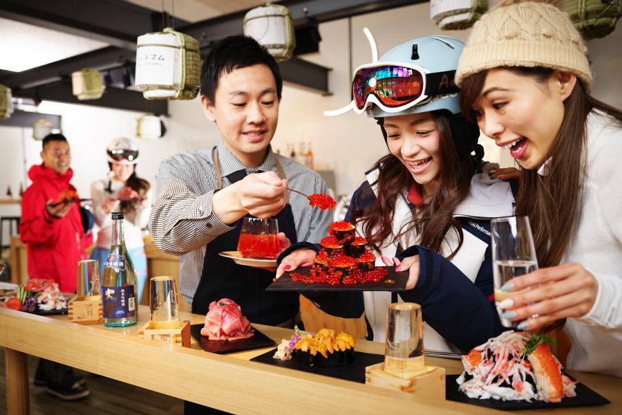 星野リゾート トマム「海鮮こぼれフェス」いくら・蟹・ウニが豪快に盛り付けられた寿司を堪能!