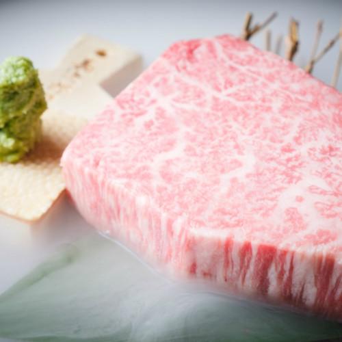 最上級部位「女王のシャトーブリアン」が半額!「焼肉あがり」で箸で簡単に切れるほどやわらかい肉を!