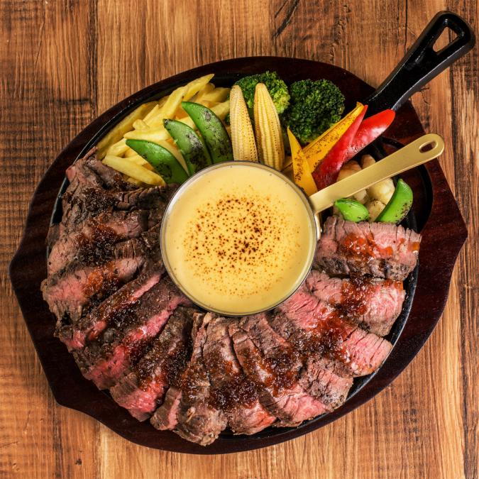 ステーキチーズフォンデュが980円!マルゴ北千住店で1ポンドステーキと濃厚チーズフォンデュ!