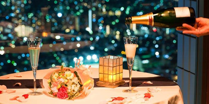 夜景デートにおすすめ【クリスマスディナー2018 まとめ】窓際確約のお得な予約プラン一覧&メニュー紹介
