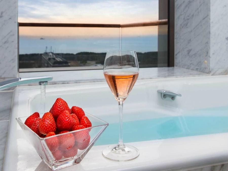 【潜入レポ】ホテルニューオータニ幕張『究極のいちご宿泊プラン Berry berry Strawberry』いちごルームでパンケーキ!