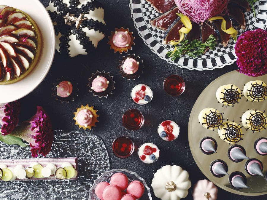 【ストリングスホテル東京】パステルピンクで彩るハロウィンブッフェ「オータム・グルメショーケース」
