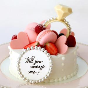 【プロポーズディナー2021】レストラン・ホテルで花束やケーキにチャペル貸切も!東京・横浜・関西・名古屋