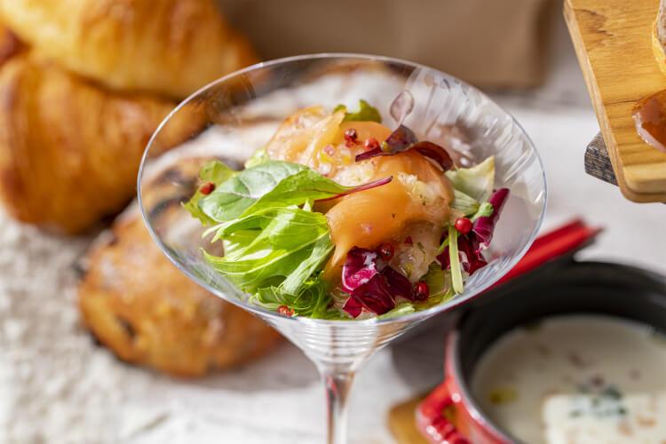 【実食レポ】ヒルトン東京「バー&ラウンジZATTA」パンのアフタヌーンティー『プティ・ブーランジェリー』