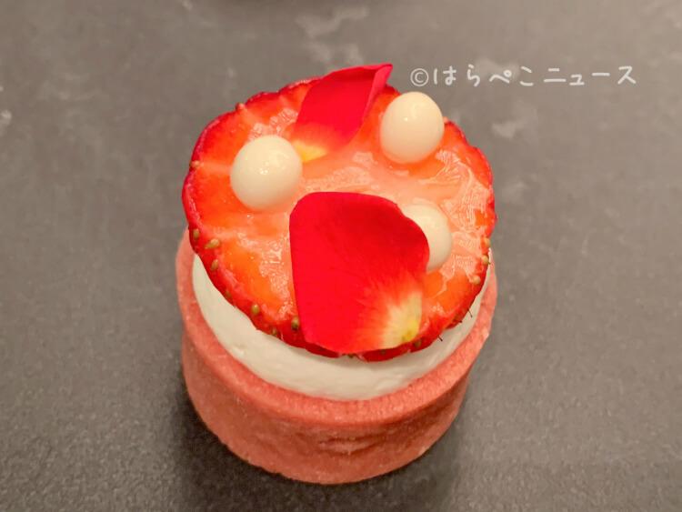 【実食レポ】ANA『ストロベリーアフタヌーンティー』2種をアトリウムラウンジで提供!白いちごスイーツも!