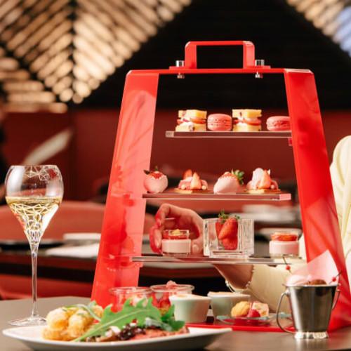 【ヒルトン大阪】「セントラム グリル&ワイン」で『ストロベリーランチフェア』アフタヌーンティーにいちご料理