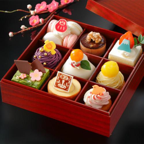 【スイーツ初め2021】新春スイーツボックスにお年賀ロールケーキ!丑ケーキなど干支お菓子も!