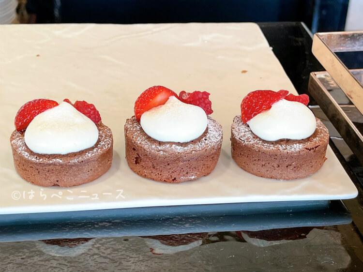 【実食レポ】横浜ベイシェラトン『いちごビュッフェ』2021年も2店舗開催!ストロベリーパフェに苺食べ放題!