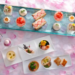 【春のアフタヌーンティー&春ビュッフェ2021】春らしいピンクのスイーツにお花のデザート!春野菜料理も!