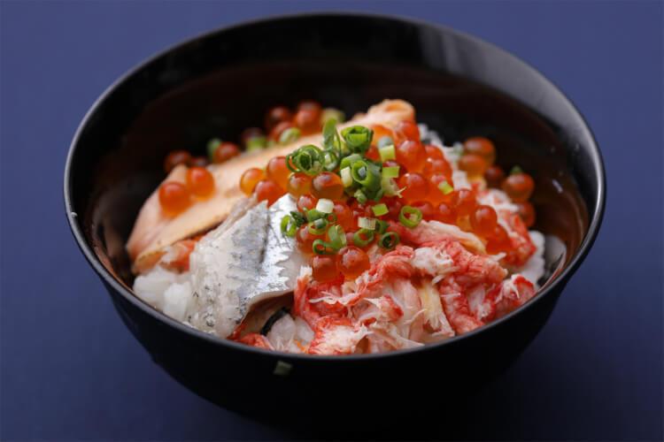 【北海道フェア2021まとめ】北海道ビュッフェでカニやいくらを食べ放題!人気ホテルの北海道食材コースも