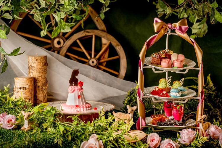 【プリンセスアフタヌーンティー・アリスビュッフェ2021】美女と野獣や白雪姫のスイーツも